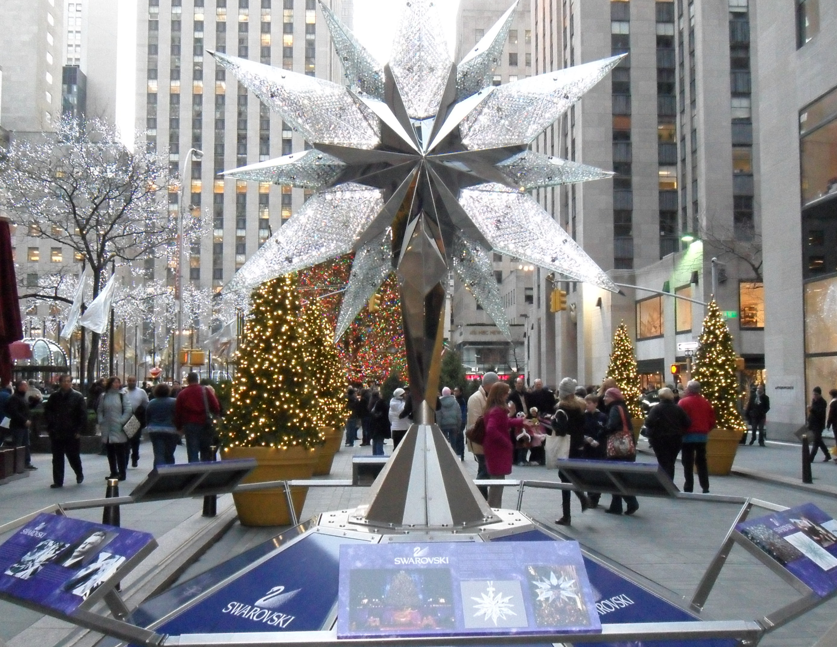 the holidays at rockefeller center